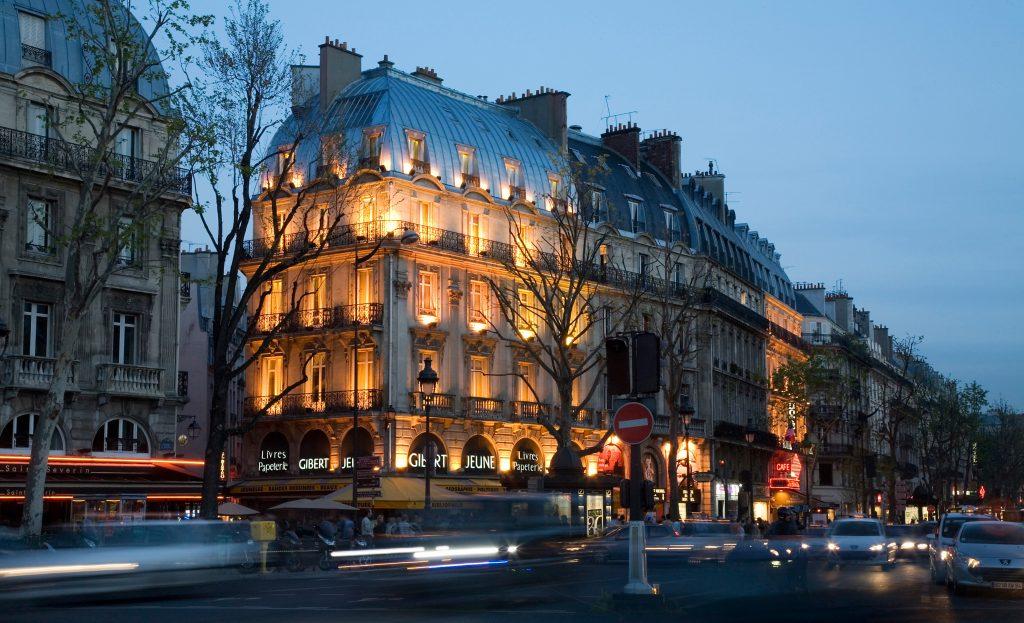 rue luxe paris
